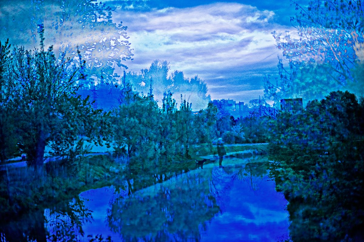kandid_reflections_blue_evening